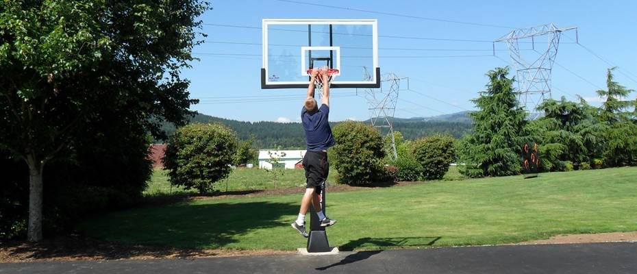 Titan Arena fully adjustable basketball system